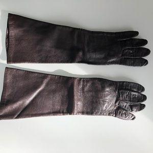 Brown leather vintage gloves